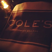Foto tirada no(a) Cole's Greenwich Village por David R. em 1/19/2013