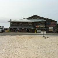 Foto tirada no(a) Flora-Bama Lounge, Package, and Oyster Bar por Dan J. em 4/24/2013