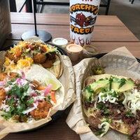 Das Foto wurde bei Torchy's Tacos von Julio N. am 11/6/2018 aufgenommen
