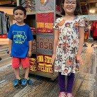 Снимок сделан в Iowa State University Book Store пользователем Lance S. 6/7/2019