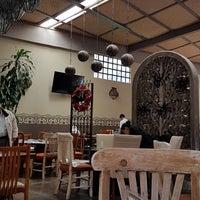 Foto diambil di Restaurante Lolita oleh Marisol D. pada 10/21/2018