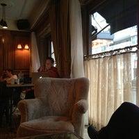 3/30/2014にQがThe Marlton Hotelで撮った写真