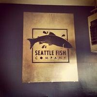 Foto diambil di Seattle Fish Company oleh Griffin K. pada 5/19/2013