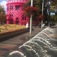 10/1/2012 tarihinde Ivan B.ziyaretçi tarafından Taylor Square'de çekilen fotoğraf