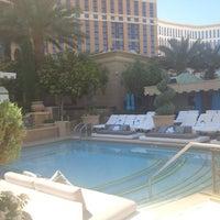 Foto tomada en Azure Luxury Pool (Palazzo) por Edgar A. el 6/7/2013