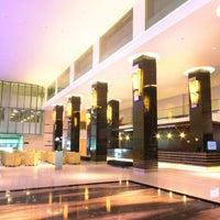 Das Foto wurde bei Swiss-Belhotel Mangga Besar von Swiss-Belhotel Mangga Besar am 10/3/2014 aufgenommen