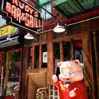 Das Foto wurde bei Rudy's Bar & Grill von The Corcoran Group am 7/29/2013 aufgenommen