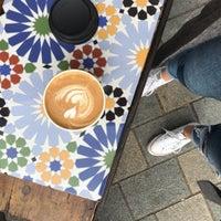 Das Foto wurde bei Lever & Bloom Coffee von Kristina V. am 9/12/2019 aufgenommen