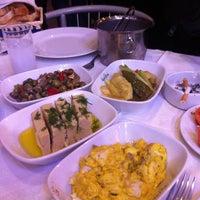 3/1/2013 tarihinde Sanemziyaretçi tarafından Benusen Restaurant'de çekilen fotoğraf