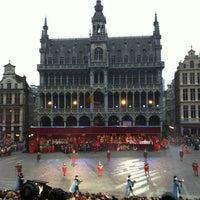 7/4/2013 tarihinde Boss T.ziyaretçi tarafından Grand Place / Grote Markt'de çekilen fotoğraf