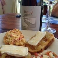 Foto scattata a Morgan - Puerto de Comidas y Cervecería da Andrew Vino50 Wines il 12/5/2013