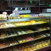 Foto tirada no(a) Paddy Cake Bakery por Craig B. em 3/29/2013