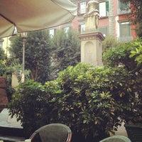 Photo prise au Piazza Vincenzo Bellini par Simone L. le11/10/2012
