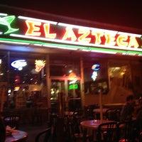 รูปภาพถ่ายที่ El Azteca โดย Carlton M. เมื่อ 10/25/2012