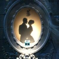 Foto tomada en Tiffany & Co. por Blair M. el 12/15/2012