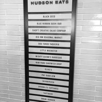 Foto tomada en Hudson Eats por Jonathan P. el 6/14/2014