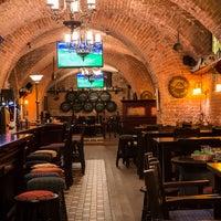 Foto diambil di Tap&Barrel Pub oleh Tap&Barrel Pub pada 10/14/2014
