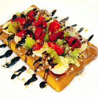 10/8/2014 tarihinde Renk Waffleziyaretçi tarafından Renk Waffle'de çekilen fotoğraf