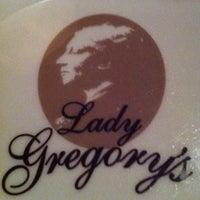 Das Foto wurde bei Lady Gregory's von Tim N. am 2/1/2013 aufgenommen