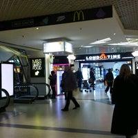 Foto diambil di West One Shopping Centre oleh Farid D. pada 2/27/2013