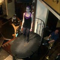 Das Foto wurde bei Nine Fine Irishmen von Dana L. am 2/18/2013 aufgenommen