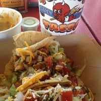 Foto tomada en Torchy's Tacos por James D G. el 3/2/2012