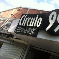 Photo prise au Circulo 99 Billar & Cafe par Luis U. le2/6/2013