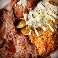 รูปภาพถ่ายที่ Salsa & Agave Mexican Grill โดย Billy H. เมื่อ 4/13/2013