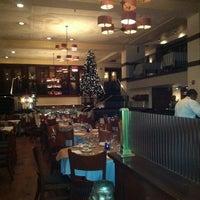 Foto tomada en Beacon Restaurant & Bar por Anna R. el 11/23/2012