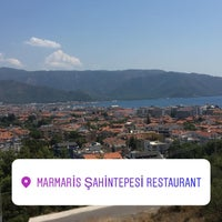 7/29/2018 tarihinde Eylem Y.ziyaretçi tarafından Şahin Tepesi Restaurant Marmaris'de çekilen fotoğraf