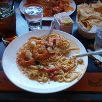 4/7/2013에 John S.님이 Armadillo Bar & Grill에서 찍은 사진