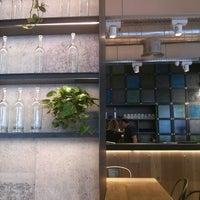 Foto tomada en OhBo - Organic Cafe por Ramon Q. el 8/20/2014