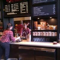 Снимок сделан в Stumptown Coffee Roasters пользователем Rand F. 1/1/2013
