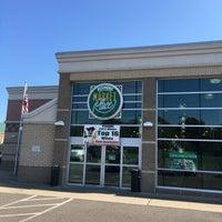 10/6/2016 tarihinde Susan E.ziyaretçi tarafından Fishers Foods'de çekilen fotoğraf