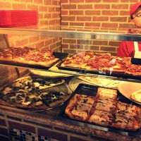 Das Foto wurde bei Prince St. Pizza von Maksim A. am 1/14/2013 aufgenommen