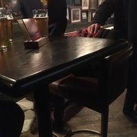 Foto tirada no(a) The Blackbird Public House & Oyster Bar por Alfredo P. em 11/26/2016