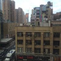 10/15/2014 tarihinde Fleur S.ziyaretçi tarafından Row NYC'de çekilen fotoğraf