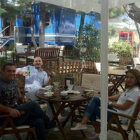 Foto tirada no(a) The VagoNN Cafe por Esat G. em 8/15/2013