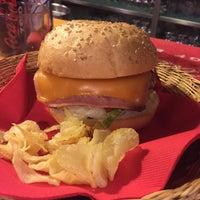 11/1/2014にAlexがTwins Burgerで撮った写真