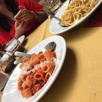 Foto diambil di La Fraschetta di Mastro Giorgio oleh Jen K. pada 5/8/2019