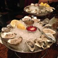 12/24/2012 tarihinde Deb B.ziyaretçi tarafından Shaw's Crab House'de çekilen fotoğraf