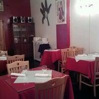 Das Foto wurde bei Desi Village Indian Restaurant von X am 10/15/2012 aufgenommen