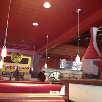 Foto diambil di On The Border Mexican Grill & Cantina oleh Juliana N. pada 8/27/2013