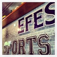 Foto scattata a Efes Sports Pub da Kenan A. il 1/14/2013