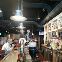 Foto diambil di JD's Tavern oleh Lou N. pada 9/7/2012