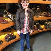 Foto scattata a John Fluevog Shoes da Michael D. il 4/3/2015