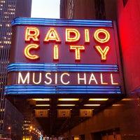 Das Foto wurde bei Radio City Music Hall von Ken B. am 3/14/2013 aufgenommen