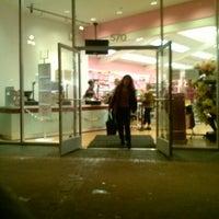 12/4/2012 tarihinde Monica M.ziyaretçi tarafından Daiso Japan'de çekilen fotoğraf