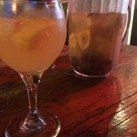 Foto tirada no(a) Kaña Tapas Bar & Restaurant por Elke N. em 9/5/2015