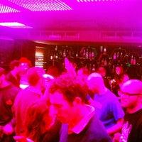 Foto tomada en Slow Barcelona Cocktails & Boîte por Slow B. el 2/2/2013